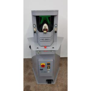 Máquina MOLDEAR CORTES marca OLIMPIC modelo VC-2001.