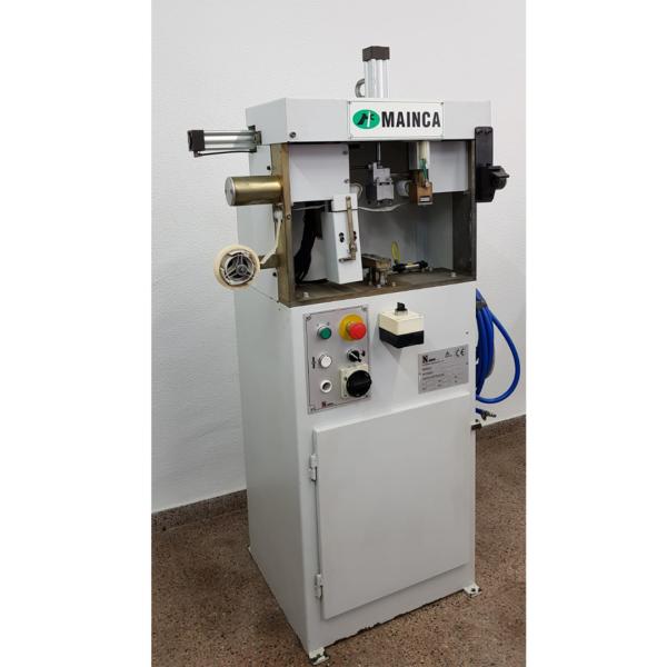 .- Máquina PONER CINTA a las plantas marca SABAL modelo 8001